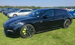 PORSCHE PANAMERA TURBO S E-HYB SP TOUR 2018 Gallery